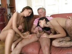секс зрелых мамок домашний секс