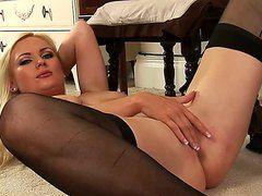 Порно в чулках на каблуках секретарши видео