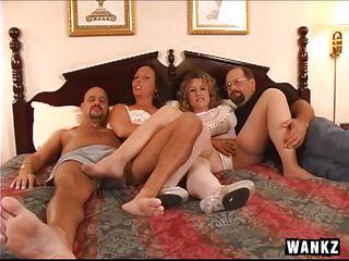 групповое порно в лесу