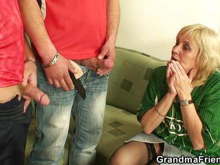 Порно бабушки группа